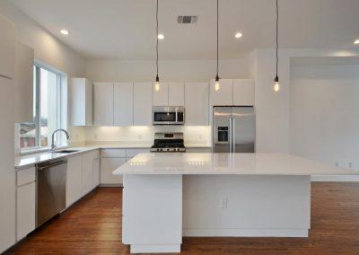 1801-e-2nd-st-large-039-unit-2-kitchen-and-breakfast-1500x982-72dpi