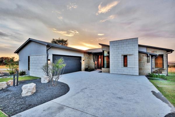 301 Nattie Woods,Horseshoe Bay,Texas 78657,3 Bedrooms Bedrooms,2 BathroomsBathrooms,Summit Rock,Nattie Woods,1095