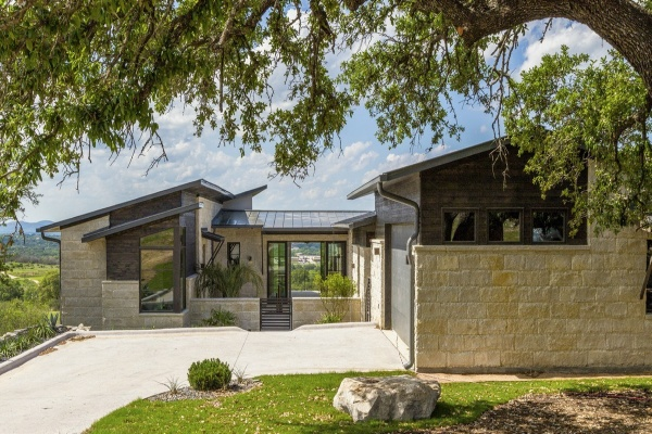 819 Summit Rock Blvd,Horseshoe Bay,Texas 78657,3 Bedrooms Bedrooms,3 BathroomsBathrooms,Villa,Summit Rock Blvd,1051